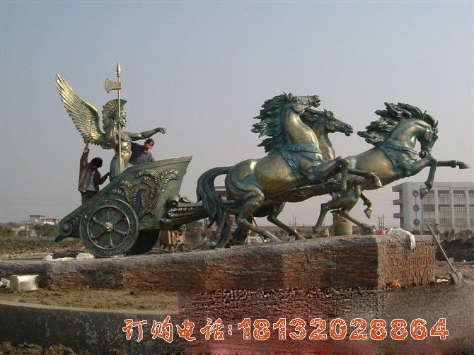 广场阿波罗战车铜雕