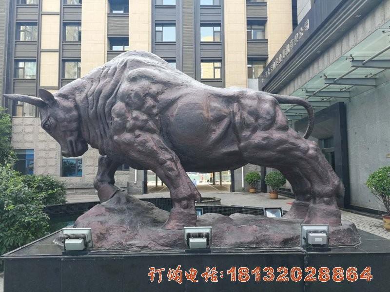 开荒牛铜雕 企业动物铜