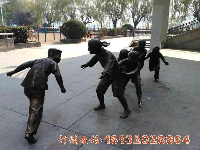 老鹰捉小鸡铜雕 公园儿童必威体育娱乐
