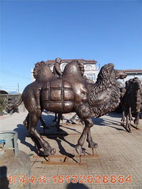 公园铜雕骆驼