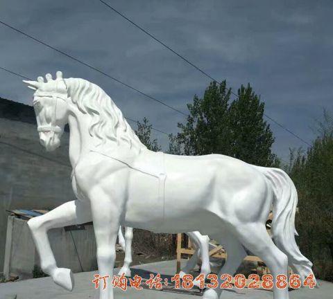玻璃钢仿真白色的马