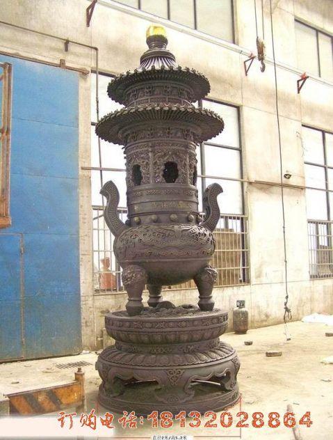 圆形三足香炉铜雕