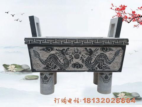 双龙戏珠浮雕石香炉