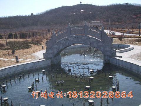 青石拱桥石雕