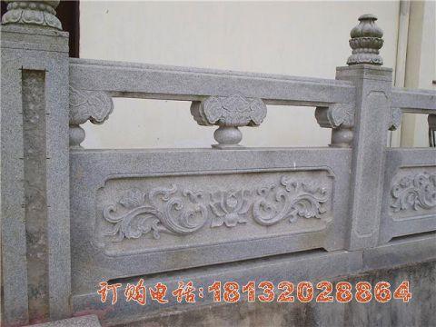 荷花浮雕石栏板