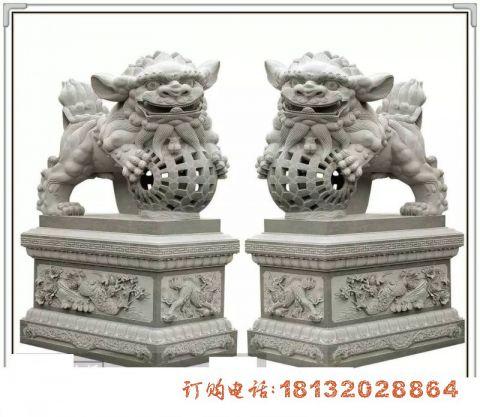 门口南方狮子石雕