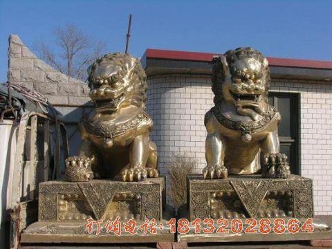 中国传统狮子铜雕