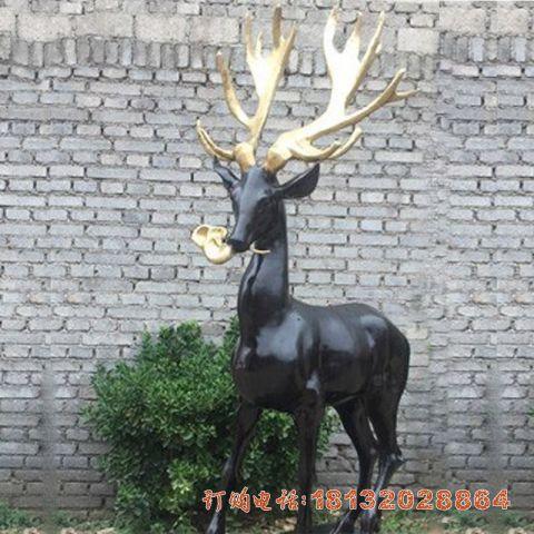 铜雕衔灵芝的梅花鹿