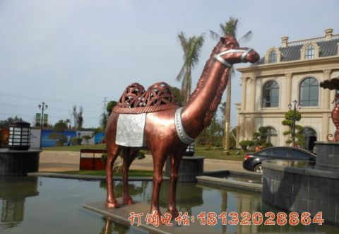 铜雕抽象骆驼